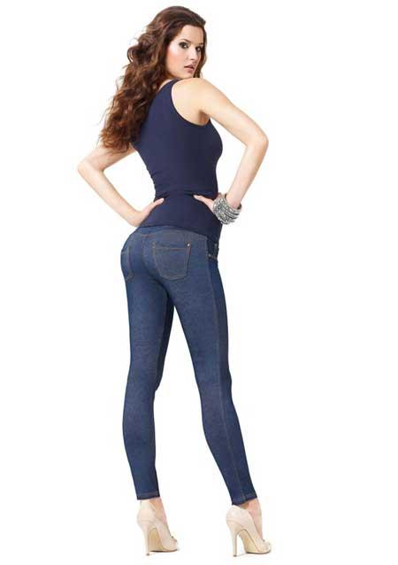 Фото девушек в джинсах сзади